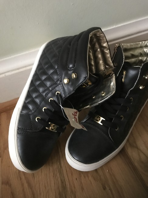 Item - Black and Gold Snd Sneakers Size US 4 Regular (M, B)