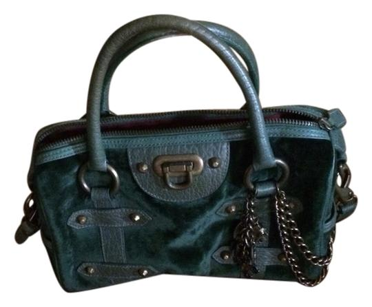 Preload https://item2.tradesy.com/images/isabella-fiore-satchel-forest-green-2958766-0-0.jpg?width=440&height=440