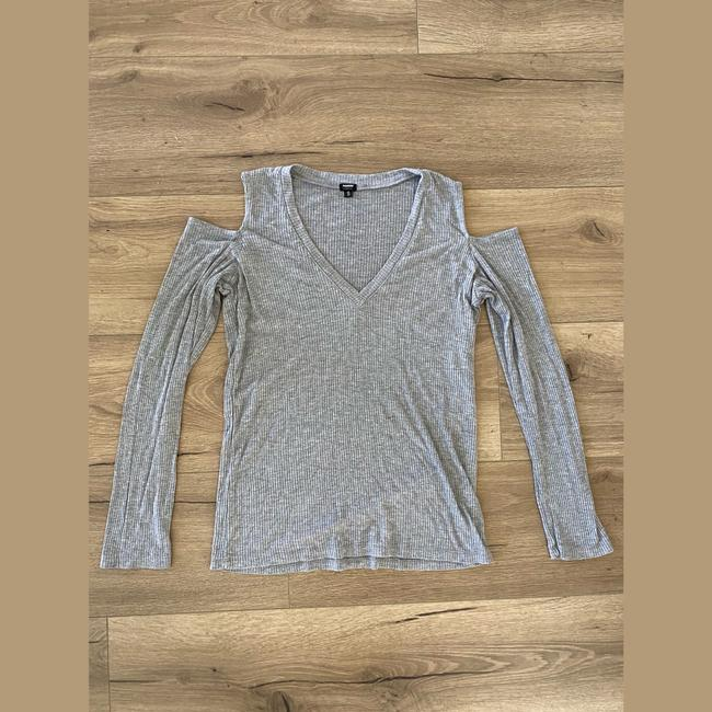 Item - Gray Cold Shoulder Tee Shirt Size 4 (S)