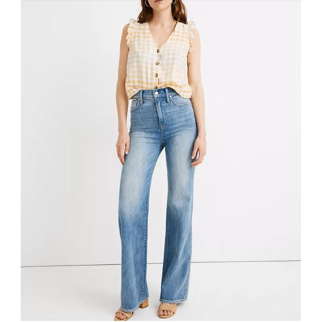 Item - Blue Light Wash 11-inch High Flare Leg Jeans Size 24 (0, XS)