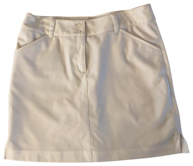 Item - White Golf Activewear Bottoms Size 6 (S)