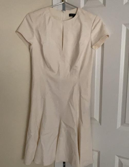 Item - Off White Short Sleeved Pleated Mid-length Work/Office Dress Size 6 (S)