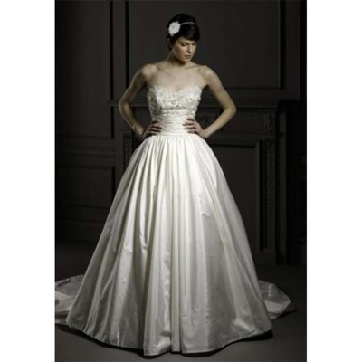 Alita graham for kleinfeld n a wedding dress on sale 52 for Kleinfeld wedding dresses sale
