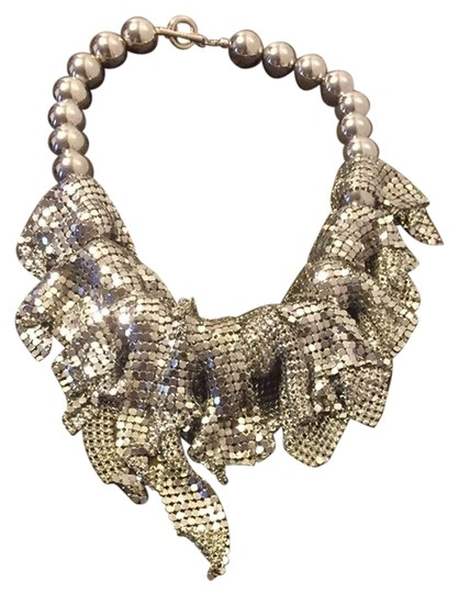 Preload https://img-static.tradesy.com/item/2960761/silver-costume-necklace-0-0-540-540.jpg