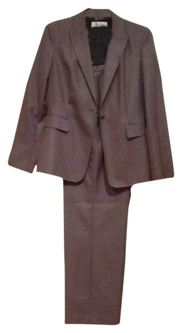Item - Gray Classic Will Never Go Out Of Style Pant Suit Size 8 (M)