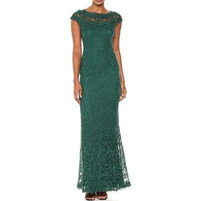 Item - Green Lace Embroidered Long Formal Dress Size 8 (M)
