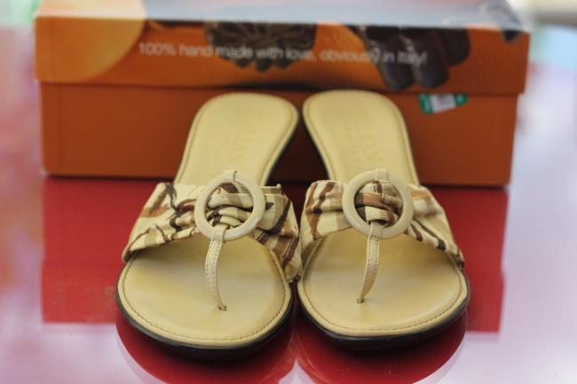 Tan with Plaid Strapy Italian Shoemaker Rare Hand Made Love In Italy Only Worn Once Sandals Size US 6.5 Narrow (Aa, N) Tan with Plaid Strapy Italian Shoemaker Rare Hand Made Love In Italy Only Worn Once Sandals Size US 6.5 Narrow (Aa, N) Image 3