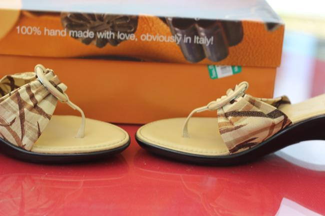Tan with Plaid Strapy Italian Shoemaker Rare Hand Made Love In Italy Only Worn Once Sandals Size US 6.5 Narrow (Aa, N) Tan with Plaid Strapy Italian Shoemaker Rare Hand Made Love In Italy Only Worn Once Sandals Size US 6.5 Narrow (Aa, N) Image 5