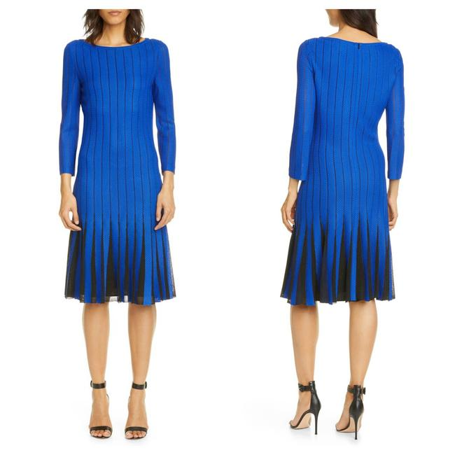 Item - Blue Perforated Knit (10) Mid-length Formal Dress Size 12 (L)