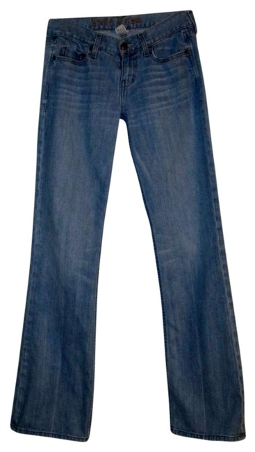 Item - Blue Light Wash Ezra Relaxed Fit Jeans Size 27 (4, S)