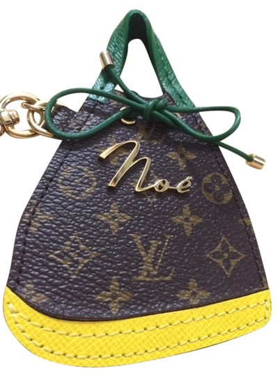 Preload https://item2.tradesy.com/images/louis-vuitton-monogram-canvas-green-yellow-noe-bag-charm-key-holder-cles-2965741-0-0.jpg?width=440&height=440
