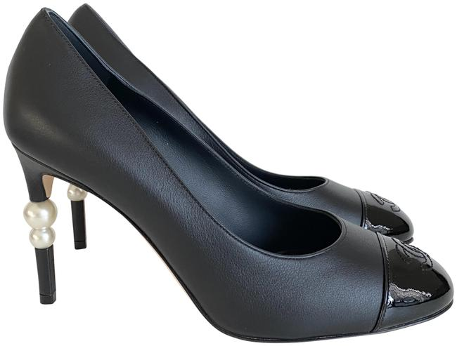 Item - Black Leather with Pearls On The Heel Pumps Size EU 36.5 (Approx. US 6.5) Regular (M, B)