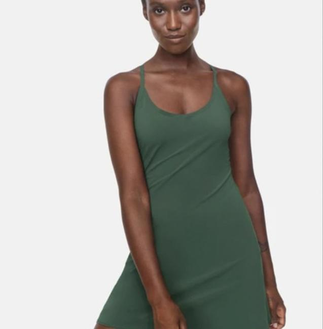 Item - Green Exercise Mid-length Short Casual Dress Size 4 (S)