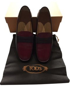 Tod's Red And Brown Flats
