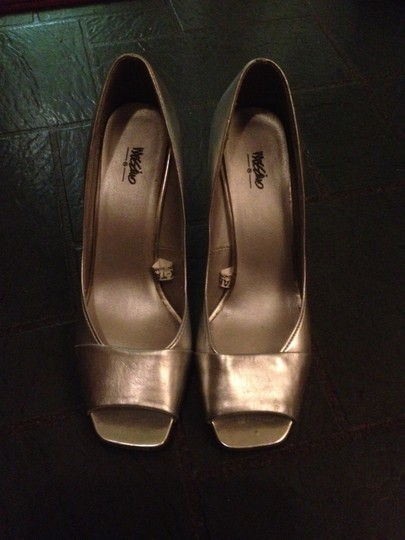 Other Silver Metallic Pumps