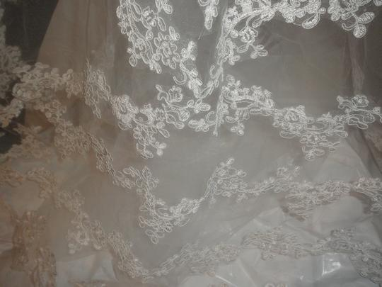 Cathedral Veil With Appliques In Ivory