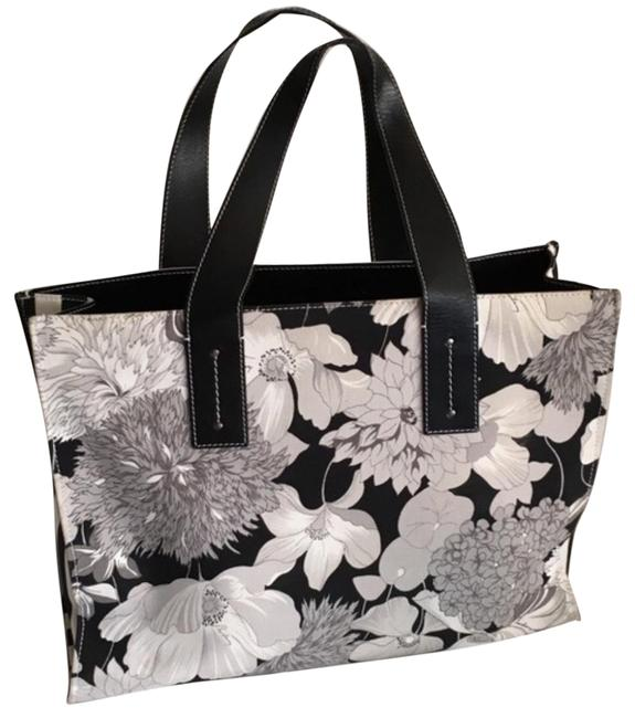 Item - With Pouch Black White and Grey Floral Pattern Canvas Tote