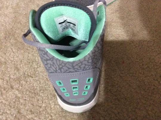 Nike Gray/mint Athletic
