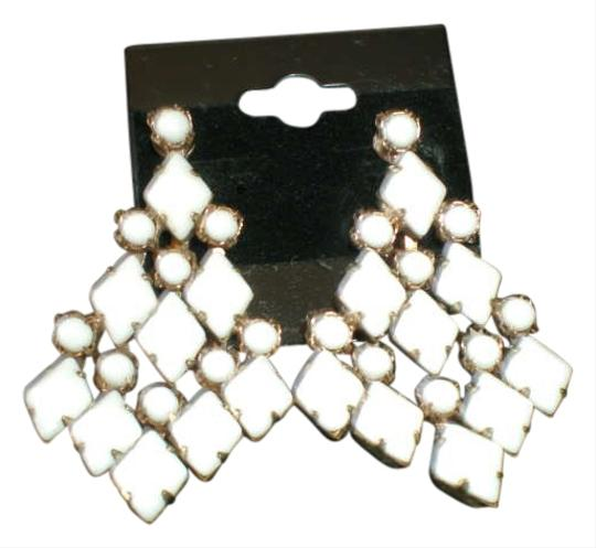 Preload https://item5.tradesy.com/images/white-dangle-earrings-297249-0-0.jpg?width=440&height=440