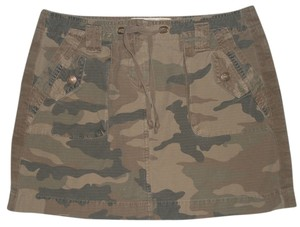 J.Crew Broken In Chino Classic Twill * Back Flap Pockets With Button Closure * 2 Front Flat Pockets With 2 Snap Closure Flap On Mini Skirt Green/Brown Camoflage