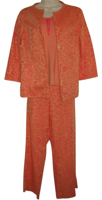 Preload https://item1.tradesy.com/images/susan-bristol-peach-and-orange-with-floral-pattern-3-piece-pant-suit-size-10-m-297300-0-0.jpg?width=400&height=650