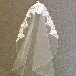 Malis-Henderson Mantialla Ivory Lace Veil