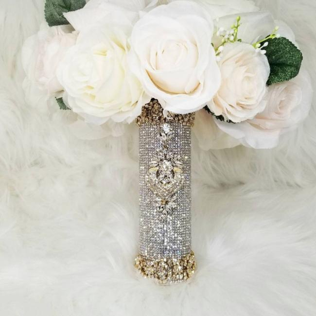 Item - Silver and Gold Dorada - Crystal Bouquet Holder For Brides