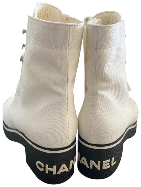 Item - White Lace-ups Boots/Booties Size EU 40 (Approx. US 10) Regular (M, B)