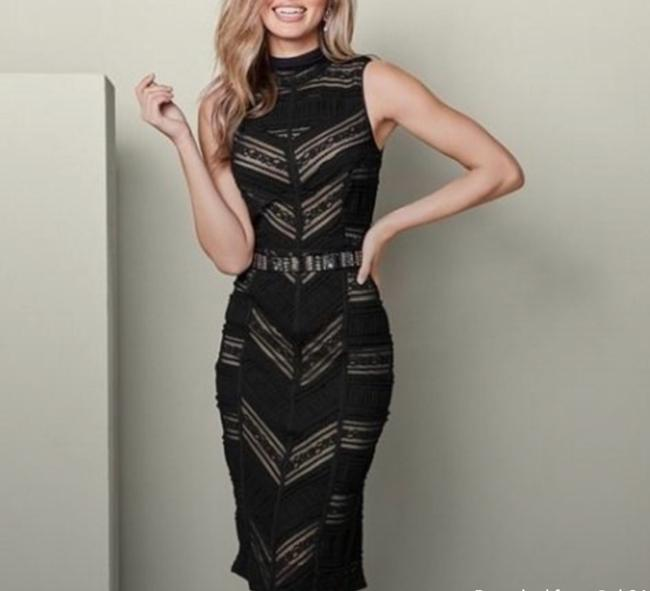 Item - Nude and Black Mid-length Cocktail Dress Size 4 (S)