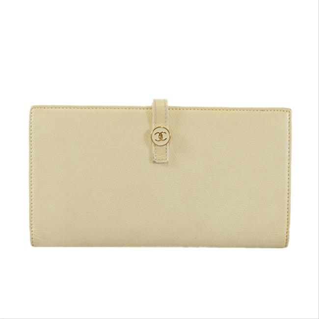 Item - Ivory Long Coco Button Bifold Women's Leather Wallet