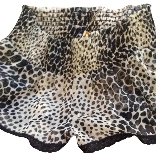 Item - Black & Cream Shorts Cover-up/Sarong Size 12 (L)