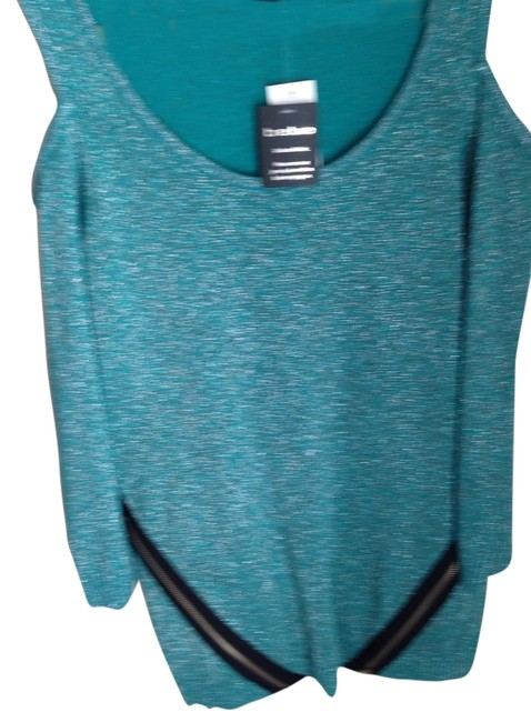 Preload https://img-static.tradesy.com/item/2979469/bebe-teal-sweater-0-0-650-650.jpg