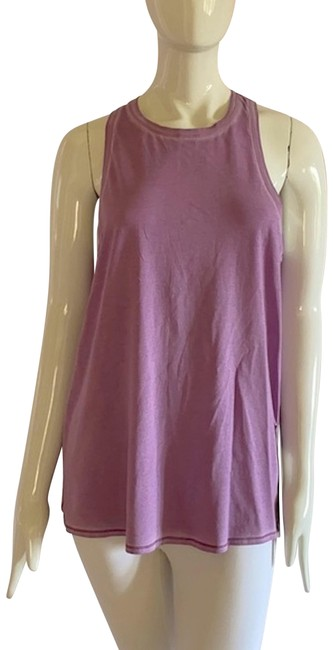 Item - *** New All Tied Activewear Top Size 12 (L)