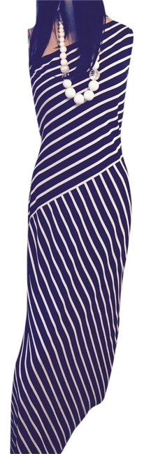 Preload https://img-static.tradesy.com/item/2979991/ralph-lauren-black-and-white-striped-one-shoulder-long-night-out-dress-size-10-m-0-1-650-650.jpg