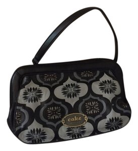 Petunia Pickle Bottom Leather Trend Clutch Carry All Blackout Fondunt Diaper Bag