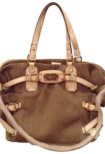Preload https://item4.tradesy.com/images/michael-kors-can-be-cross-bagcanvas-perfect-for-travel-or-dai-beige-tote-29803-0-0.jpg?width=440&height=440
