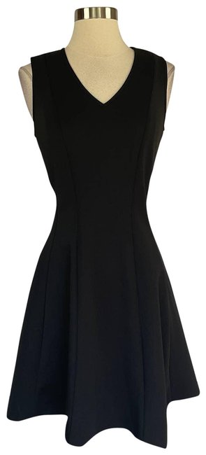 Item - Black Women's Sleeveless Fit and Flare Cocktail Dress Size 8 (M)