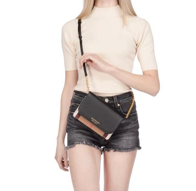 Item - Hampshire Derby House Black Leather Cross Body Bag