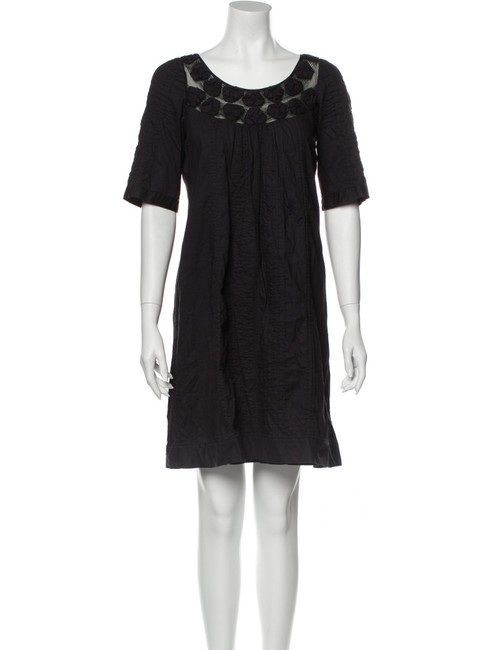 Item - Black A-line Short-sleeve with Scoop Neck Short Casual Dress Size 8 (M)