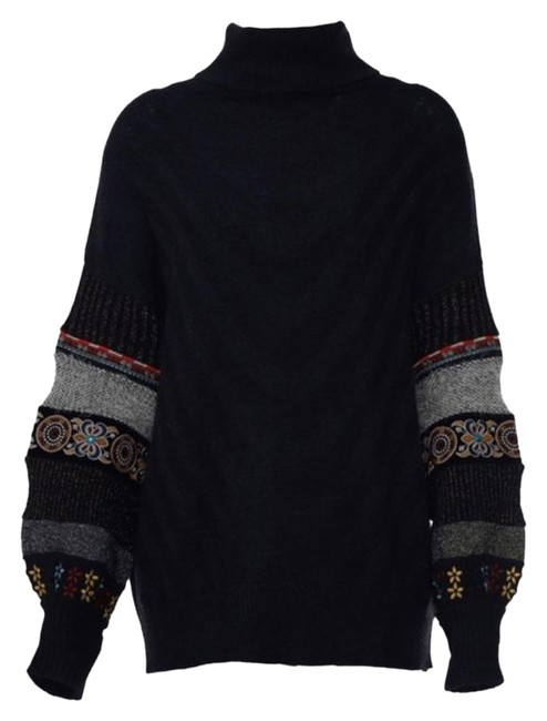 Item - Bohemian Embroidered Sleeve Black Sweater