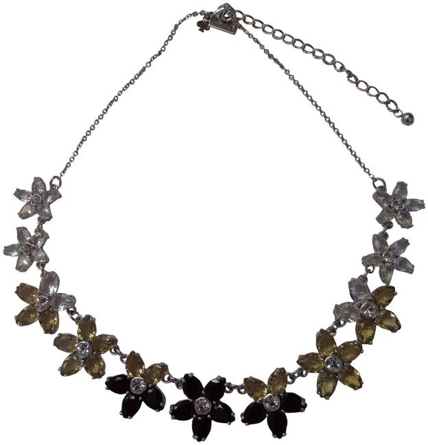 Item - Black New and Clear Flower Necklace