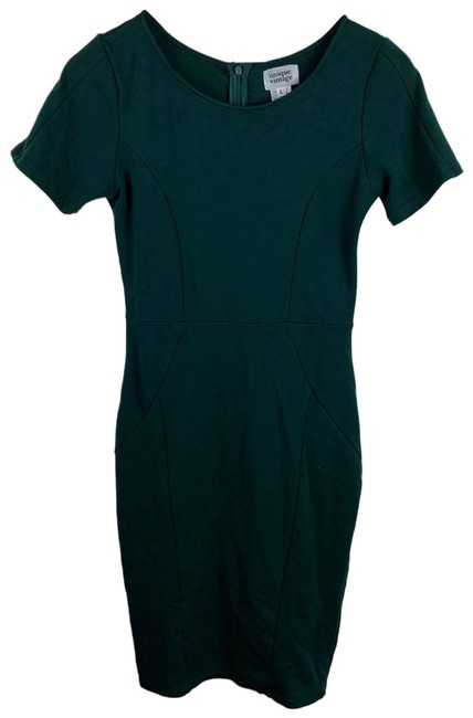 Item - Green Solid Wiggle Large Short Casual Dress Size 14 (L)
