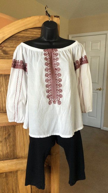 Item - White and Red Off The Shoulder Peasant Blouse Size 6 (S)