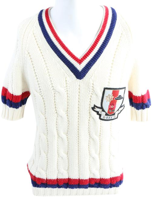 Item - Crest Cable Knit White/Red/Blue Sweater