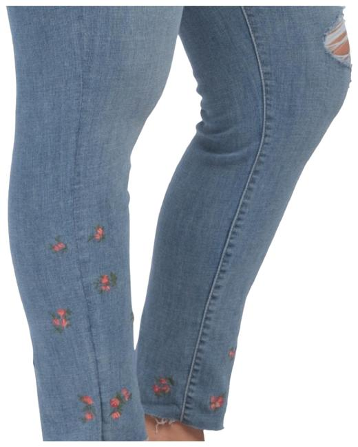 Item - Blue Distressed Levi Shaping Flower Power Skinny Jeans Size 24 (Plus 2x)