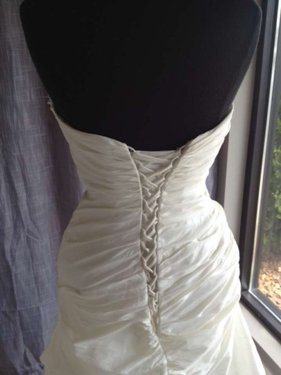 Ivory 18781 Wedding Dress Size 10 (M)