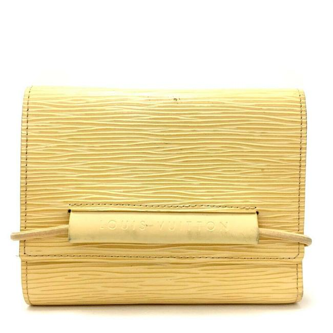 Item - Yellow Portefeuille Epi Leather Trifold #1822g53 Wallet