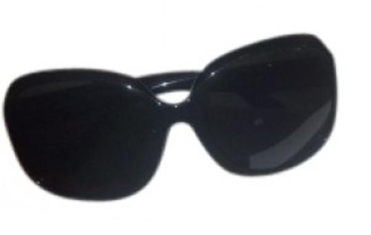 Preload https://img-static.tradesy.com/item/29827/chloe-black-sunglasses-0-0-540-540.jpg