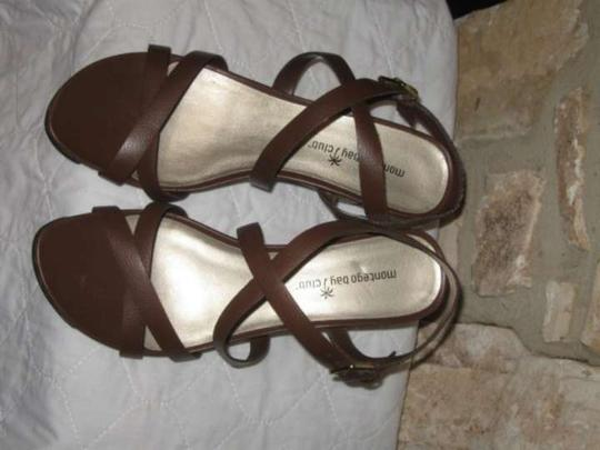 Preload https://item2.tradesy.com/images/montego-bay-club-brown-wedges-size-us-85-298301-0-0.jpg?width=440&height=440