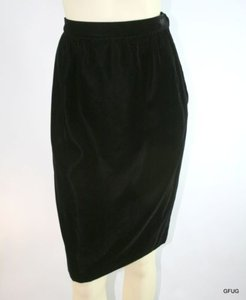 Valentino Boutique Italy Skirt Black